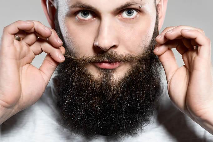 como hacer crecer la barba naturalmente y rápido